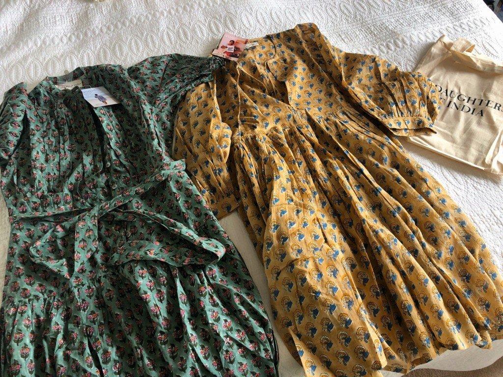 Jag fick hem två fina klänningar som jag beställt idag. Ser fram emot att få bära dem!