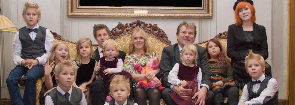 Trettonbarnsmamman – Trettonbarnsmamman Mirka Norrström ….och hennes smått kaotiska liv