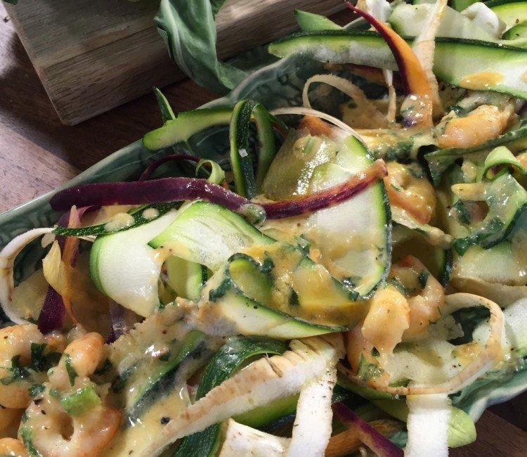 Räksås med grönsakstagliatelle