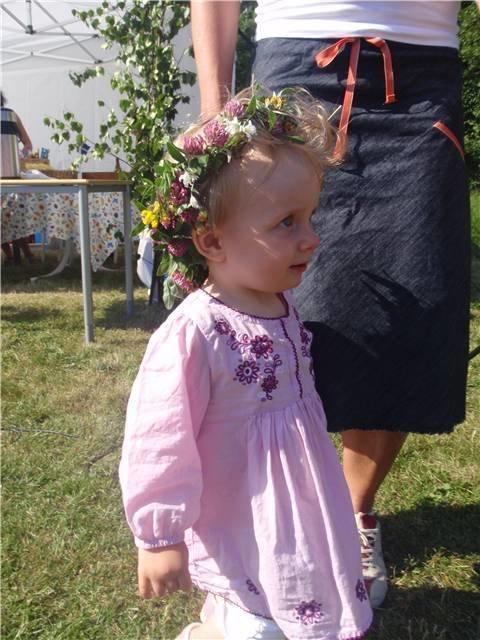 Min älskling förra året med blommor i håret