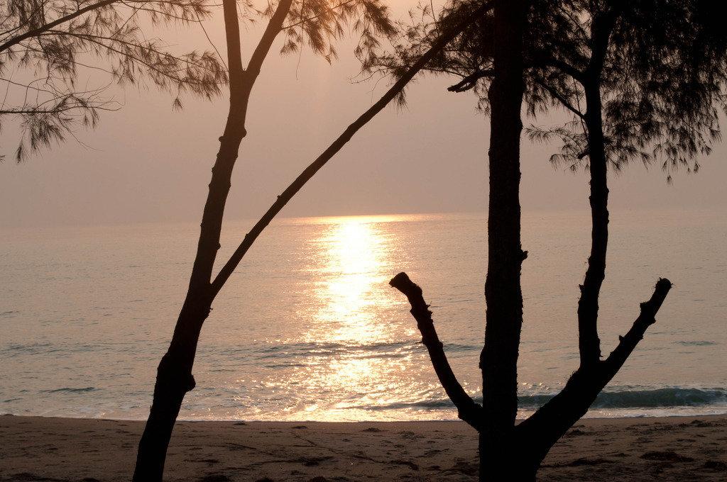 Utsikten från huset som vi hyr i Thailand som ligger direkt på stranden!