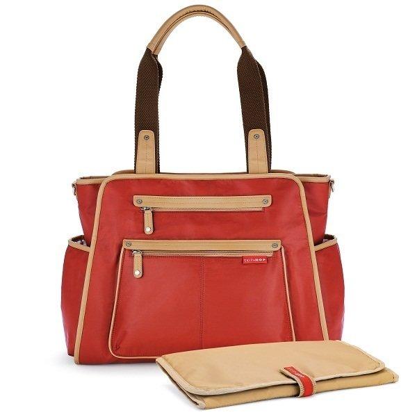Skip Hop Grand Central - så snygg i rött, finns även i brunt och svart nu kostar den 876kr ord pris 1095kr